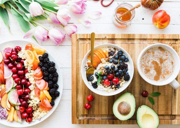 thực đơn giảm cân 7 ngày với cơm rau và trái cây